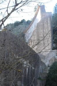 Les restes du barrage de Malpasset